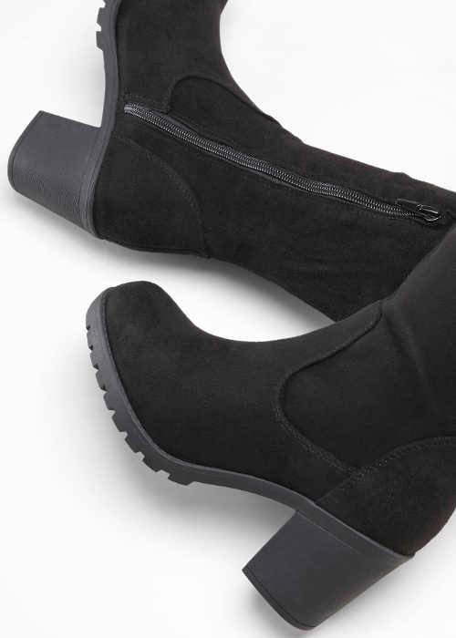 Čierne dámske zimné čižmy na vyššej platforme