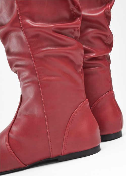 Vysoké červené čižmy s nariasením