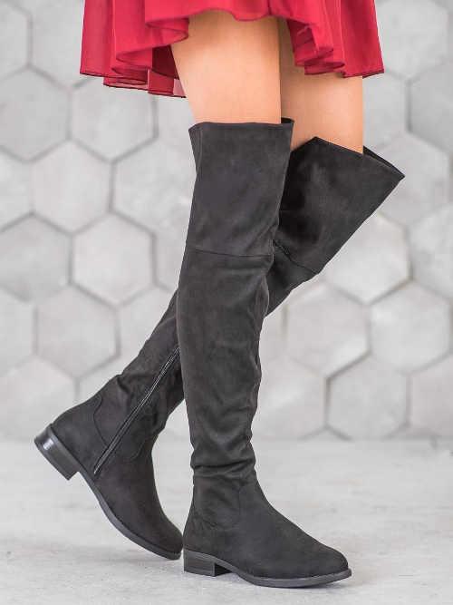 Vysoké dámske čižmy nad koleno